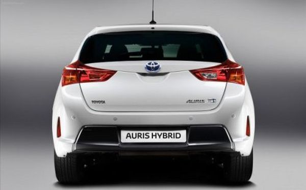 2015 toyota auris hybrid review and release date. Black Bedroom Furniture Sets. Home Design Ideas