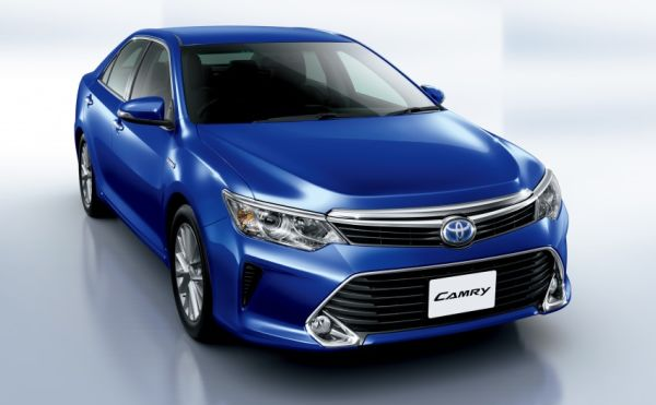 2015 toyota camry hybrid supports green image but offers good drive toyota reviews. Black Bedroom Furniture Sets. Home Design Ideas