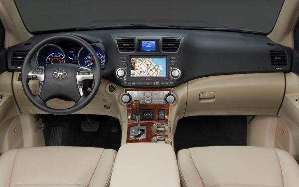 2015 - Toyota Highlander Interior