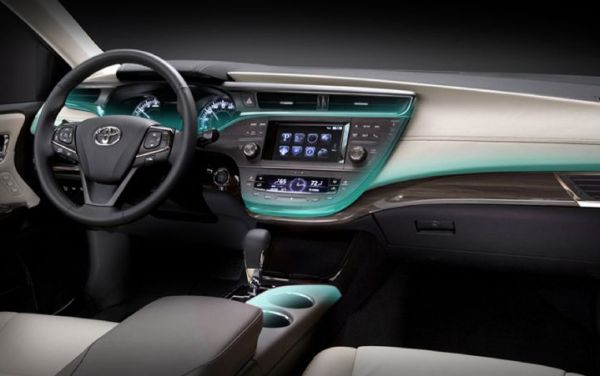 2016 - Toyota Avalon Hybrid Interior