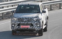 2016-toyota-hilux-front-view-grey