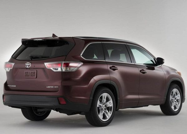 2017 - Toyota Highlander Side and Rear View