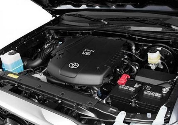2017 Toyota Tundra - Engine