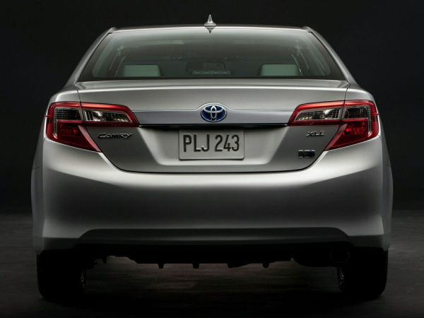 Rear View of 2015 Toyota Camry Hybrid