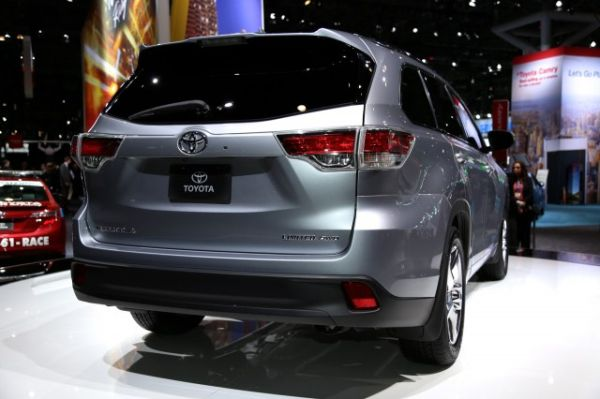 Rear View of 2016 - Toyota Highlander