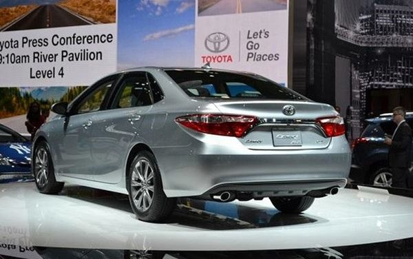 2017 toyota camry hybrid price review specs. Black Bedroom Furniture Sets. Home Design Ideas