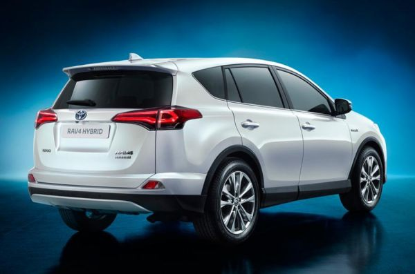 Toyota RAV4 Hybrid 2015 - Rear View