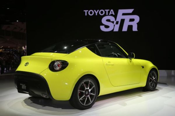 Toyota SF-R Sports Car - Side and Rear View